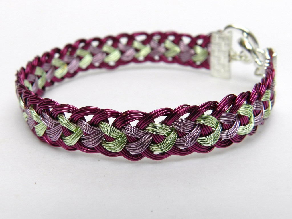Wire Kumihimo bracelet tutorial half round braid jewellery