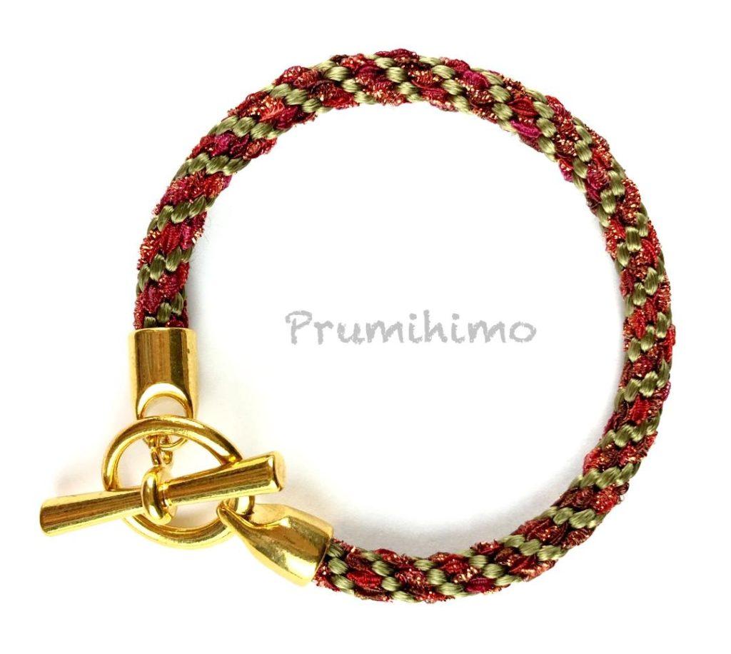 Sparkly yarn bracelet